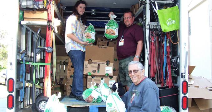 Unloading turkeys